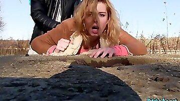 Hot Girl outdoor Fellatio And Screw