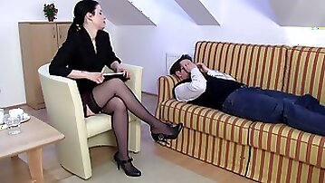 Foot freak get psychological therapy with teased female therapist