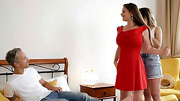 Girlfriends Alice Fabre and Cathy Heaven get distracted a big cock