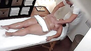 Horny masseur fucks a chubby lady after giving her a massage
