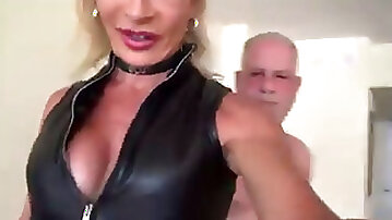 Hoe leather shemale meet daddy giant manhood