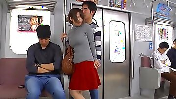 UMSO-315 - asian girl in bus public