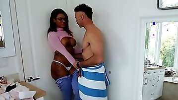 Black babysitter with great assets fucked hard by angry client