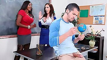 Ariella Ferrera fucking in the classroom with her lingerie