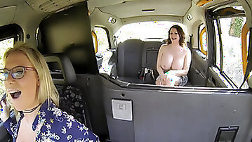 Sasha Steele getting her cunt stretched with cucumber