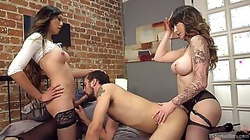 Fabulous big breasted Tgirl Danielle Foxx works on wet pussy and strong cock