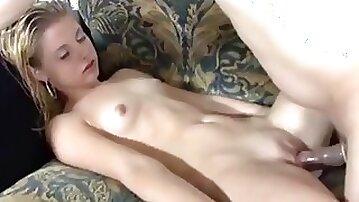 Pornstar begin her carier in this amateur video