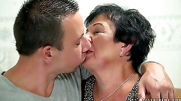 Perverted dirty old whore with saggy tits Hettie gives BJ and rides dick
