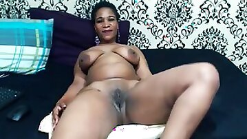 Thick Ass South African Mamie goes deep in her ass