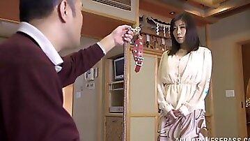 Amazing sex with the Asian milf Chihiro Akino