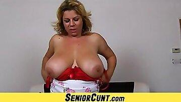 Mature twat close-ups of hot wife Silvy Vee