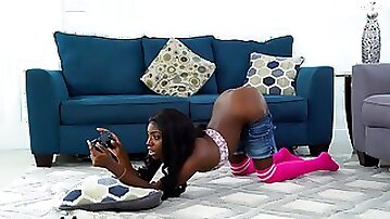 Playful ebony chick seduced her stepfather