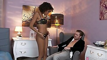 A real pleasure for the skinny ebony to ride such a big stick