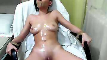 This webcam girl is so kinky and she loves her remote controlled vibrator