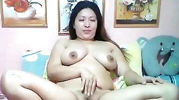 Rhea Filipina - Chubby Filipina webcamer with big ass masturbating for you
