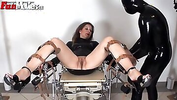 Mom slave wants to get locked in a gyno chair
