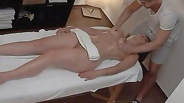Spy cam hot sex with a brunette and a professional Czech masseur